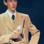 Föreställningsbild 2000 - Adams dagbok